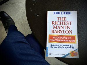 Read more about the article Review Sách Người Giàu Nhất Thành Babylon của George S.Clason: Tác phẩm kinh điển cho doanh nhân