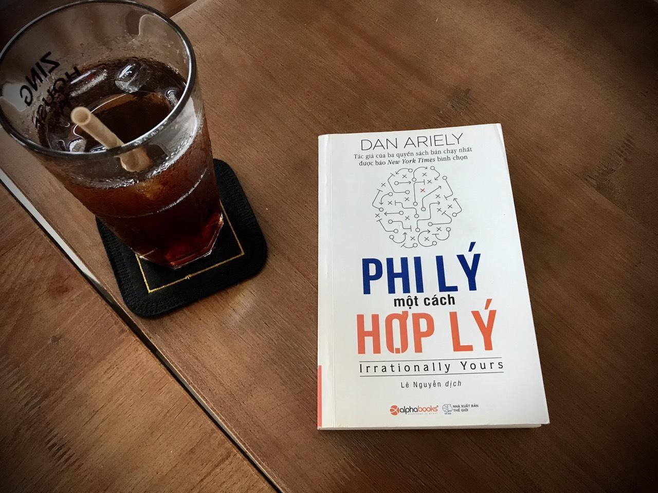[Review Sách] Phi Lý Một Cách Hợp Lý: Hỏi và đáp về những vấn đề phi lý, đọc cũng vui!