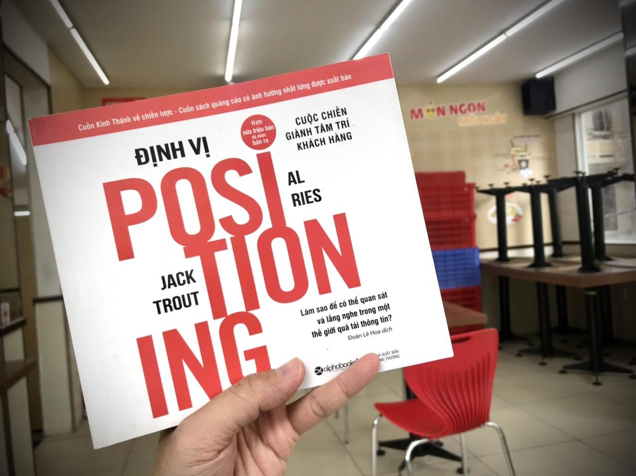 You are currently viewing Review Sách Positioning (Định vị) – Cuộc chiến giành tâm trí khách hàng của Al Ries và Jack Trout