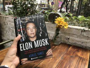 [Review Sách] Elon Musk: Tesla, SpaceX và sứ mệnh tìm kiếm một tương lai ngoài sức tưởng tượng.